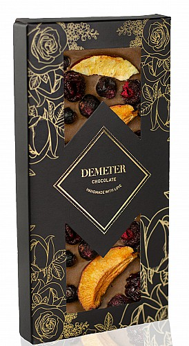 DemeterChocolate Tejcsokoládé szilvával, meggyel, feketeribizlivel